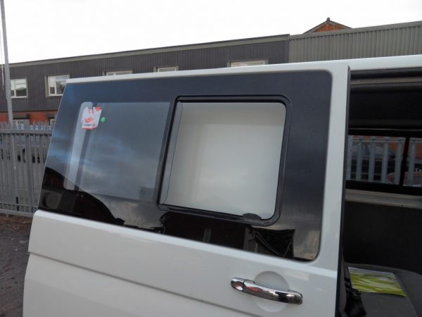 Side SLIDING Window Smoked Glass for VW T6 Transporter-8356